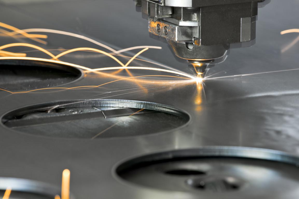 Comment d couper ses plaques de m taux pr cieux l - Comment couper une plaque d aluminium ...