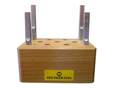 Assortiment de 4 touchaux sur socle Bergeon