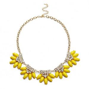 Entre bijou jaune citron et bijou jaune ocre, mon cœur balance\u2026